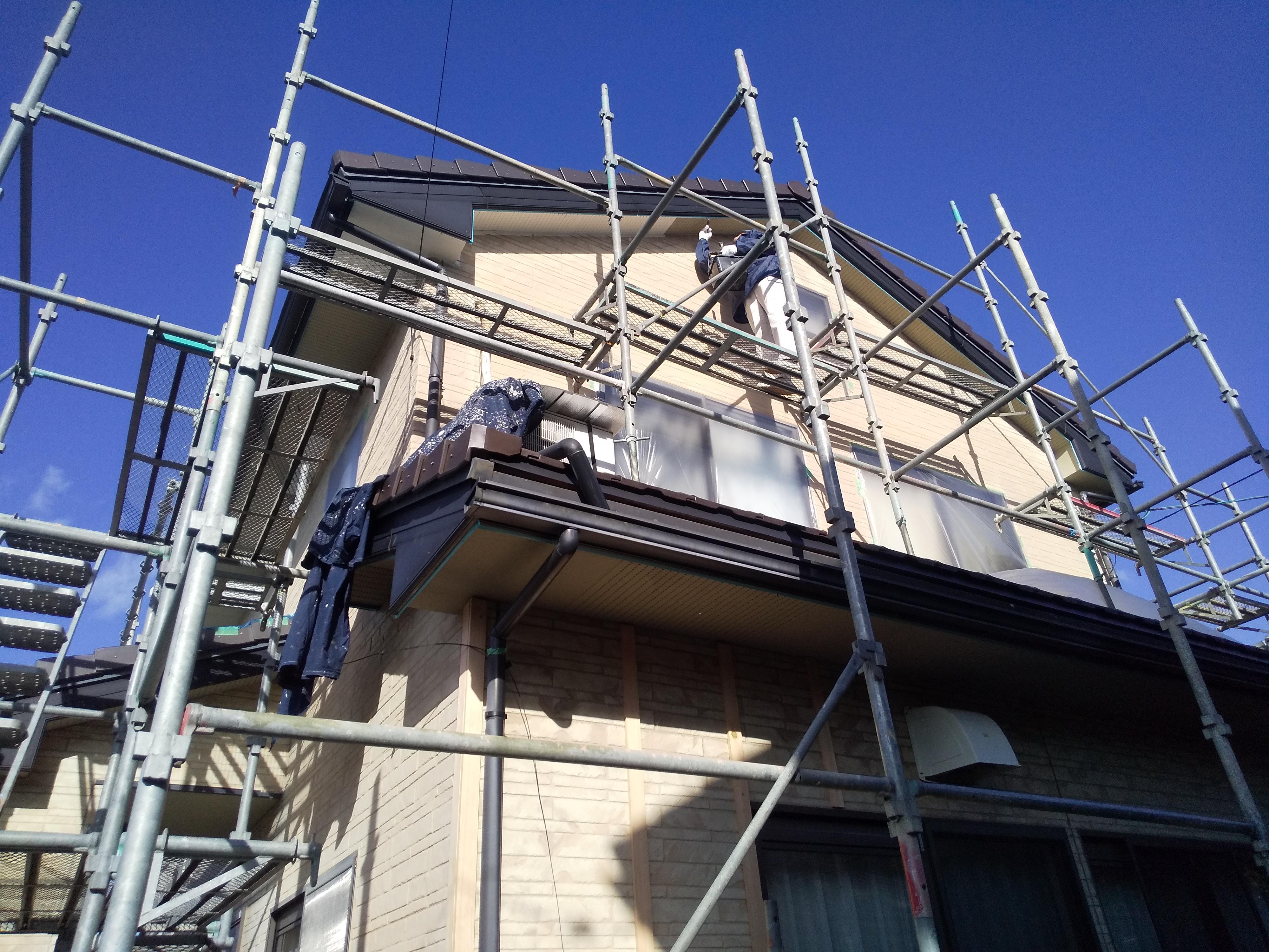 軒天井・樋、破風板の塗装