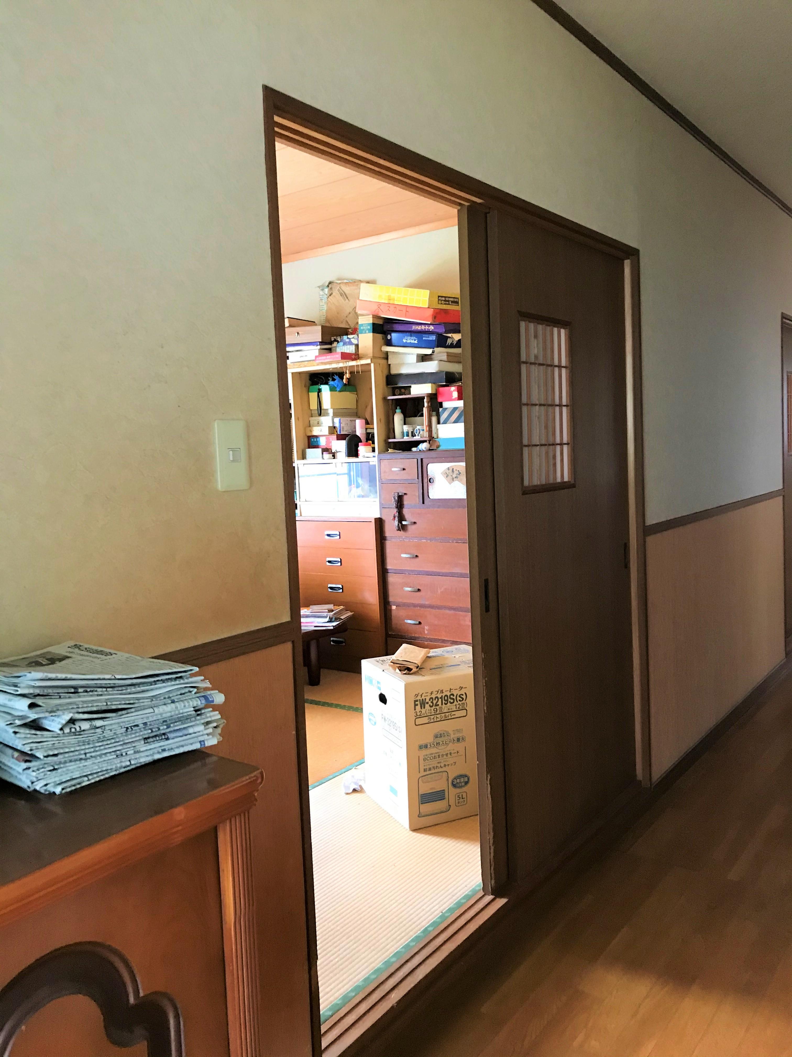 施工前:廊下から段差 11㎝の入り口