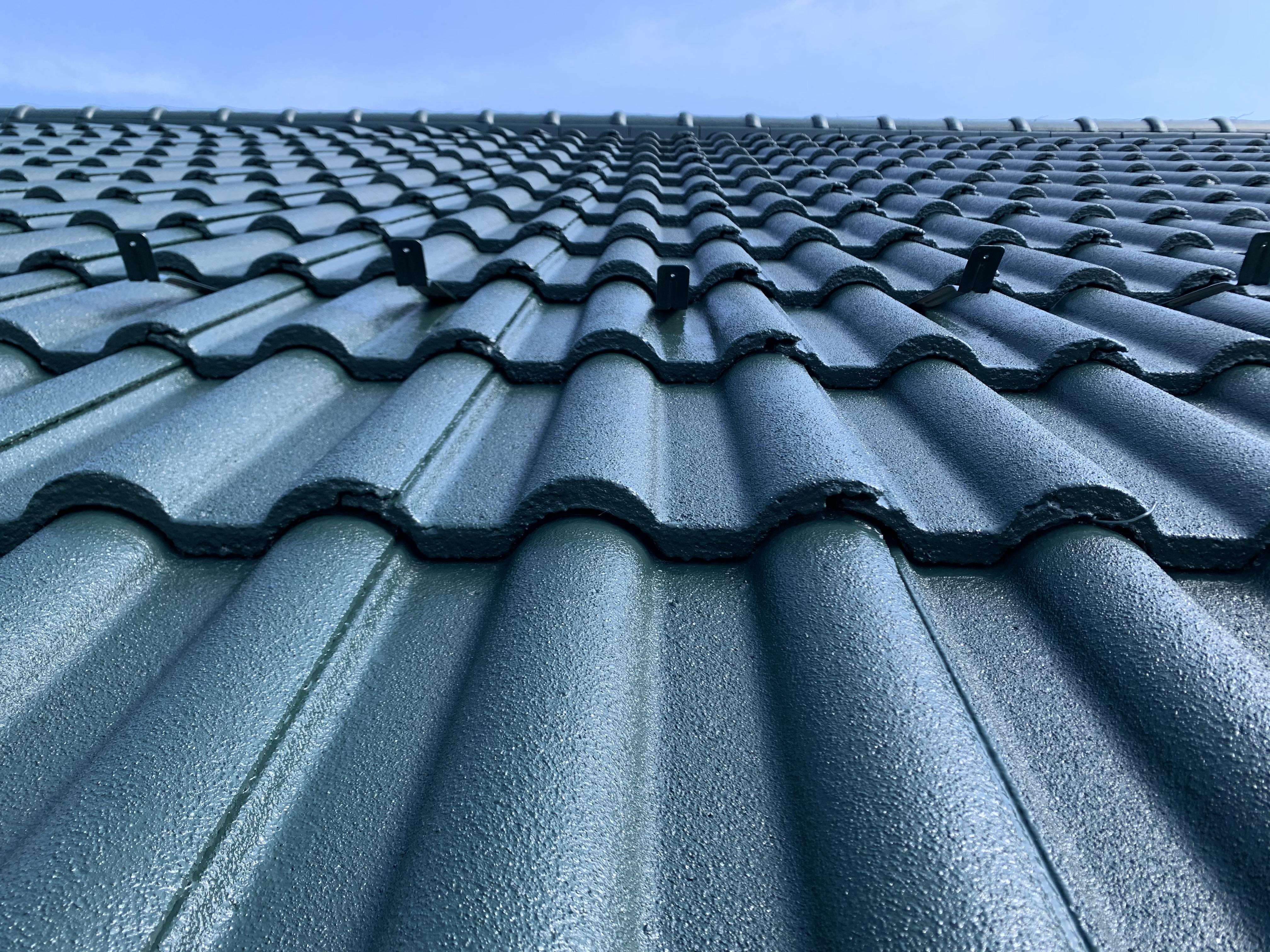 耐候性が高く、優れた遮熱性で夏場の2階エアコン使用を抑える省エネ効果あり!
